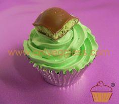 C902 - Aero Mint Cupcake