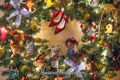 Wizard of Oz Wreath at Copeland Christmas Blog