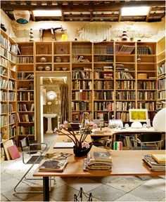 I dream of a room with floor to ceiling bookcases