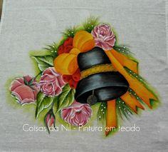 Coisas da Nil - Pintura em tecido: Sino de Natal com laço e rosas.