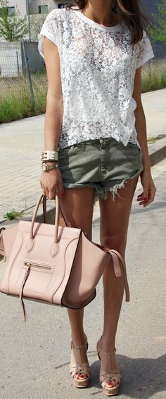 Floral lacy white top and mini short fashion. The lace is a great top for dressing up something casual like jean shorts. Fashion Moda, Look Fashion, Womens Fashion, Modern Fashion, Girl Fashion, Ankara Fashion, Street Fashion, Runway Fashion, Mode Chic