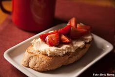 Prima Bruschetteria - Bruschetta de creme de Mascarpone e morangos em balsâmico (jantar)