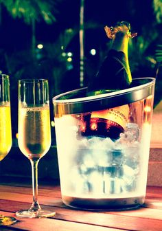 The occasion calls for some chilled bubbly in a Philips LUMIWARE Cooler. #LED