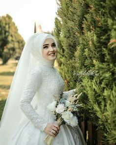 Likes, 20 Comments – Bursa Wedding Photo … – Style Evening Dresses – Jena Downs Muslim Wedding Gown, Hijabi Wedding, Wedding Hijab Styles, Muslimah Wedding Dress, Muslim Wedding Dresses, Muslim Brides, Dream Wedding Dresses, Wedding Gowns, Bridal Mehndi Dresses