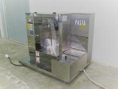 2500,00€ · Maquina cocedora de pasta Eurochef / seminueva (en perfecto estado) · Vendo cocedor de Pasta Automatico (en perfecto estado). No necesita licencia de extracción de humos. Modelo PL6 Pastachef.  Cocina pasta seca, fresca o congelada, ideal para bares, quioscos, pubs, cervecerías, pizzerías a domicilio, chiringuitos, etc. ¡En menos de un minuto pasta lista para servir! Automática : cuando el producto está preparado, se vuelca directamente en el plato. Incluye 2 cestas con capacidad…