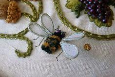 Jane Nicholas-Elizabethan Roundel_bee  http://feather-stitching.com
