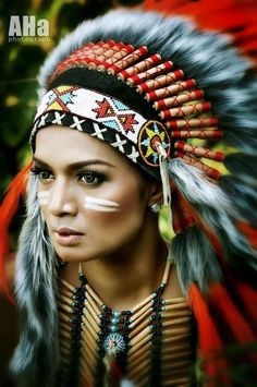 Native American jewelry is full of history and significance. The materials used are often the same materials that were used hundreds of years ago among Native American tribes. Native American Girls, Native American Beauty, American Indians, American Fashion, Red Indian, Native Indian, Foto Flash, Indian Photoshoot, Feather Headdress