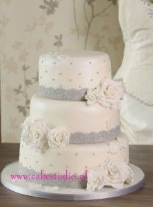 1000 images about koken on pinterest owl cakes met and delft - Romantische witte bed ...