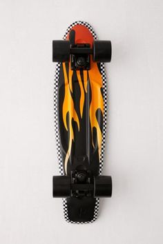 Classic plastic Penny board featuring a signature skate motif - a vivid flame print with checkerboard trim. Complete board with black wheels. Penny Skateboard, Painted Skateboard, Skateboard Deck Art, Skateboard Design, Skateboard Girl, Surfboard Art, Skateboard Outfits, Cruiser Skateboards, Cool Skateboards