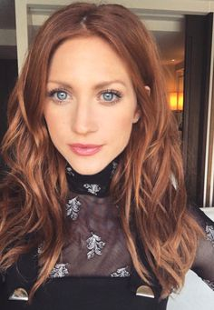 Pinterest: DEBORAHPRAHA ♥️ This is the perfect red hair color for fall/winter #haircolor