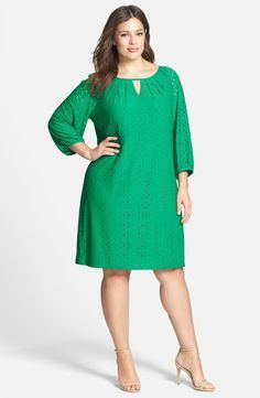 London Times Keyhole Detail Eyelet Shift Dress (Plus Size) | Nordstrom #vestido #verdes #naturais #verão #feminino #FocusTêxtil