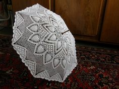 Summer Parapluis- seriously beautiful, that's some amazing crocheting!