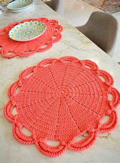 Crochet Flower Tutorial, Crochet Flowers, Crochet Kitchen, Blouse And Skirt, Crochet Accessories, Doilies, Crochet Hats, Kids Rugs, Quilts