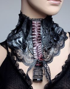 costume neck jewelery  vintage, lace, gothic
