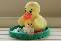 Crochet duck with chick and water Lily www.haekelherz.de