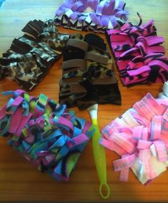 Fleece swiffer dusters....Will have to figure out how to make these.