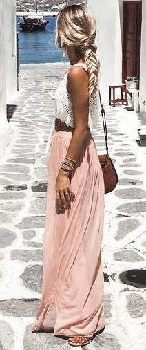 The perfect spring/summer fashion mix: PINK AND WHITE!! #summer #outfits / pink pleated maxi skirt