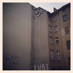 Just Warschauer @justberlin #berlin #fhain #streetart #graffiti #sputnika #instagram