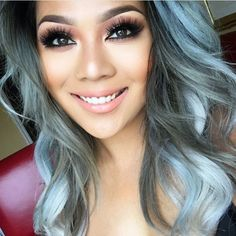 SMILE! It's FRIDAY!!! The weekend is finally here! We just had to share this pretty selfie of ✨@pala_foxxia✨! Lots of lashes, perfect brows, & nude lips! Love this combo for the weekend! Her hair & looks are #goals! SHOP NOW: WWW.LUXY-LASH.COM