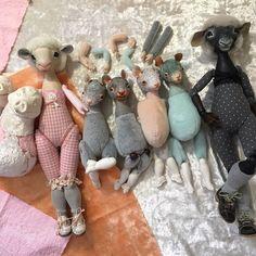 Новая кукла - это новые способы крепления, новая скульптура, новые материалы. Зачастую я теряю интерес, как только новое освоено, слеплено и сшито. Поэтому мой зоопарк продолжает пополняться. Теперь нужно очень сильно захотеть их всех доделать и сшить гардероб. #ladoll #kseniamingaleva #artdoll #ксениямингалева