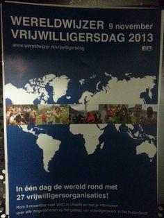 Wereldwijzer vrijwilligersdag. Mooie flyer, wel donker. Duidelijke tekst, goed uitgelegd.