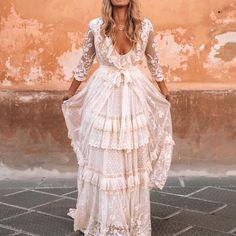 Boho Wedding Dress With Sleeves, Western Wedding Dresses, Bohemian Wedding Dresses, Bridal Dresses, Wedding Gowns, White Boho Dress, Bohemian Weddings, Indian Weddings, Hippie Bridesmaid Dresses