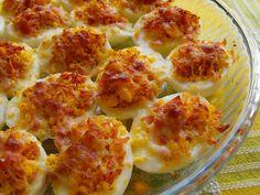As receitas lá de casa: Ovos recheados gratinados no forno