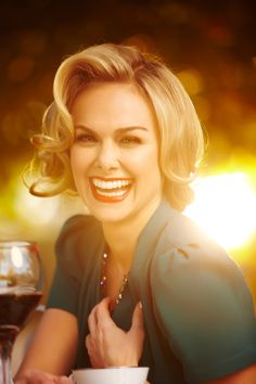 Laura Bell Bundy by photographer Jeremy Cowart. This picture has my favorite ingredients that I love in a photograph. People, lighting, and color. Famous Photographers, Beautiful Smile, Beautiful Ladies, Portrait Inspiration, Celebs, Celebrities, Pretty Woman, Jaipur, Portrait Photography
