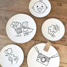 No automatic alt text available. Sharpie Plates, Diy Sharpie Mug, Crafts To Sell, Diy And Crafts, Arts And Crafts, Pottery Painting, Ceramic Painting, Letter Mugs, Bird Stencil