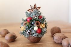 Let's make the walnut garden: Christmas is Ron's Tomoko this year. Half Christmas, How To Make Christmas Tree, Christmas Makes, Christmas Projects, All Things Christmas, Kids Christmas, Xmas, Christmas Flower Decorations, Christmas Wreaths