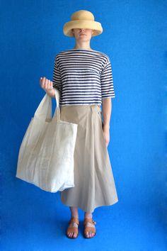 IKAL x blade black color - Black Things Style And Grace, My Style, Ankara Bags, Japanese Bag, Picnic Bag, Sixties Fashion, Fabric Bags, Reusable Bags, I Dress