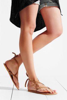 Chic Summer Sandals Picks from Alli Simpson
