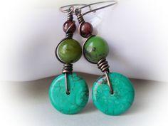 Boucles d\u0027Oreilles avec turquoise, chrysoprase vert er grenat en cuivre bijoux  pierre naturelle bohemien gitane