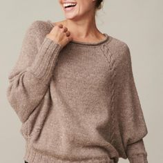 67 New Ideas knitting patterns cable etsy Free Knitting Patterns For Women, Jumper Knitting Pattern, Easy Knitting, Knitting Stitches, Cable Knit Sweaters, Casual Sweaters, Pullover, Stylish Outfits, College Wardrobe