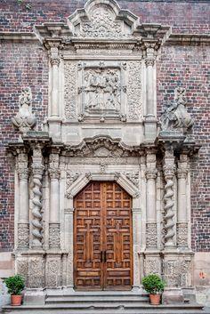 Basílica de Guadalupe Exterior Houses, Virgin Mary