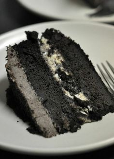Oreo Ice Cream Cake. Possible grooms cake for charcoal grey, cream,,and canary yellow theme