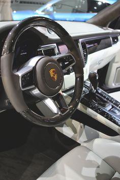 Porsche Macan 2015 Interior: First Look