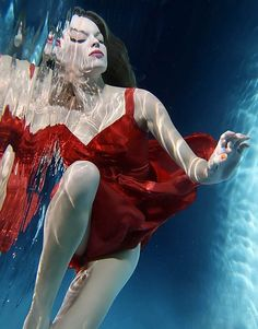 Graceful pose underwater