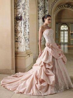 precioso vestido de novia rosa nude