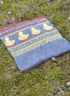 Marius Kylling Sitteunderlag #SandnesGarn #GratisOppskrift Picnic Blanket, Outdoor Blanket, Crochet Projects, Knit Crochet, Easter, Knitting, Creative, How To Make, Crafts