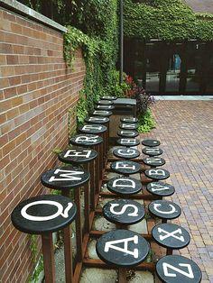 Дизайнерская скамейка.