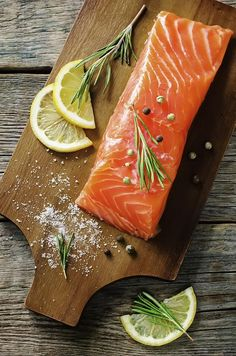 How to Cook Rolled Stuffed Salmon Fillets Salmon Recipes, Fish Recipes, Seafood Recipes, Cooking Recipes, Cooking Salmon Fillet, How To Make Kale, Buy Salmon, Making Kale Chips, Salmon Fillets