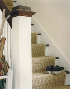 Sisal and Seagrass Carpet Cleaning in Cheltenham 01242 329 805 Stairway Carpet, Carpet Stairs, Wall Carpet, Bedroom Carpet, Interior Design Inspiration, Home Decor Inspiration, Sisal Stair Runner, Stair Runners, Stair Runner Installation