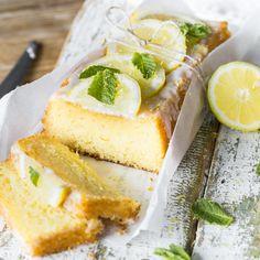 Alle Omis kennen sie, die ultimativen Geheimtipps, mit denen Zitronenkuchen nie wieder trocken wird. Du nicht? Ab jetzt schon!