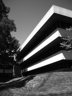 Big cantilevered architecture. The Pepsi Co. Headquarters by James Durell Stone.