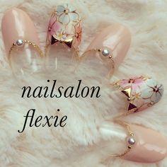 かわいいネイルを見つけたよ♪ #nailbook Flower Nail Designs, Flower Nail Art, Diy Nails, Cute Nails, Nail Polish Designs, Nail Art Designs, Asian Nails, Nail Techniques, Kawaii Nails