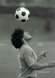 God Of Football, Football Images, Best Football Players, World Football, Ronaldo Juventus, Cristiano Ronaldo, Neymar, Maradona Tattoo, Maradona Football
