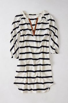 comfy & cute striped top. pair with leggings.