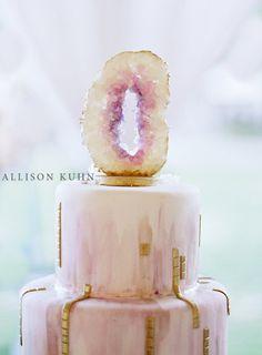 gorgeous agate and gold cake @ivyrobinson @thewowfactorcakes @allisonkuhn