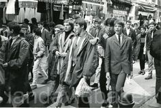 Mods at Carnaby Street Fred Perry Polo Shirts, Tailor Made Suits, Youth Subcultures, Fishtail Parka, Mod Scooter, Paul Weller, Nostalgic Images, Carnaby Street, Mod Girl